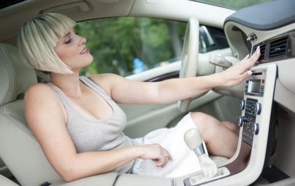 Comment recharger la climatisation de sa voiture ?